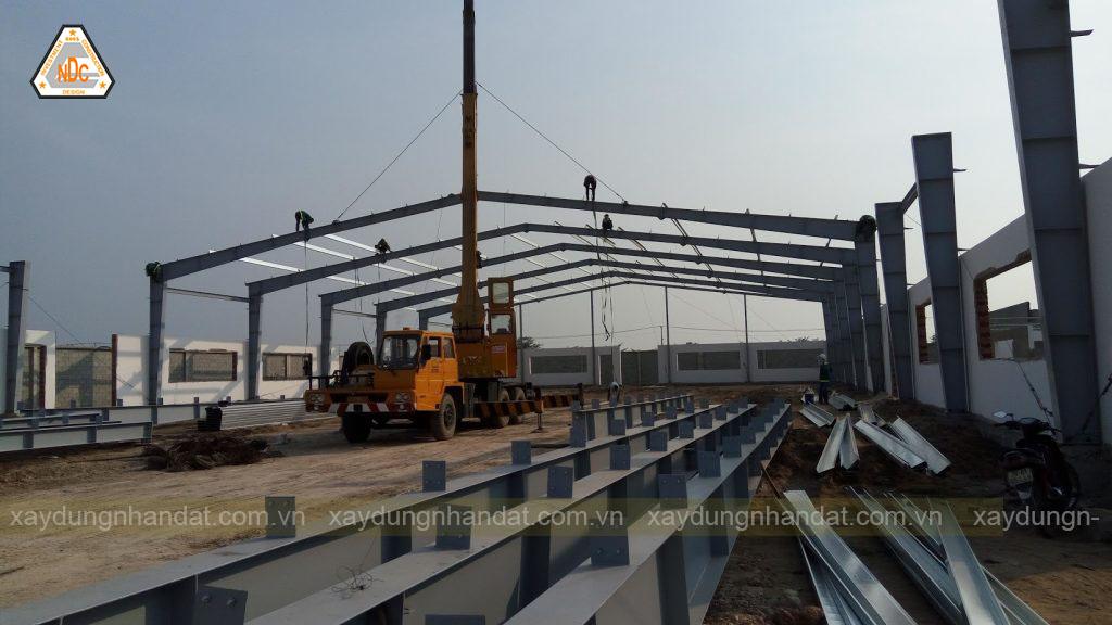 lắp dựng khung thép - Xây dựng nhà xưởng khung thép