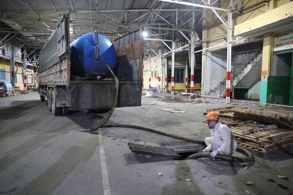 Thoát nước và đổ chất thải trong nhà xưởng nhà kho