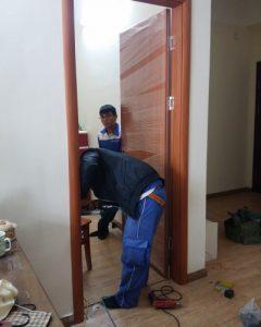 Kinh nghiệm thi công nhà dân dụngkhi lắp đặt cửa gỗ.