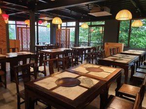 Không gian nhà hàng với kết cấu khung thép tiền chế