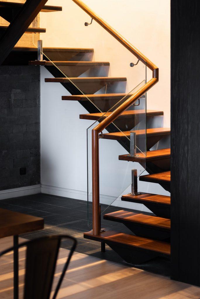 mẫu thiết kế cầu thang gỗ đẹp