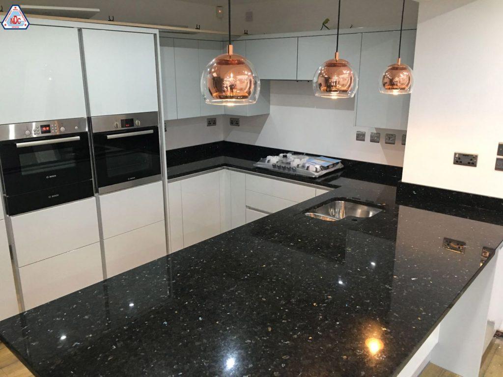 Những mẫu đá hoa cương ốp bếp